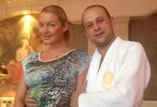 Волочкова спонсирует психа, который был её любовником