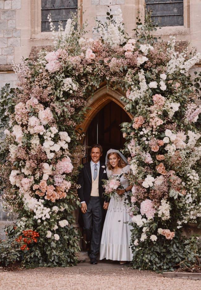 Тайная свадьба, внучки королевы Елизаветы II, попала в интернет