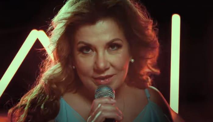 Как правильно целовать Баскова, показала Марина Федункив в новом клипе «Лав Стори»